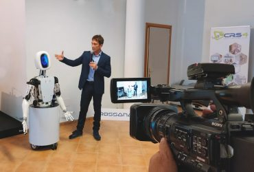 ROSSANA, the first anthropomorphic robot developed by CRS4